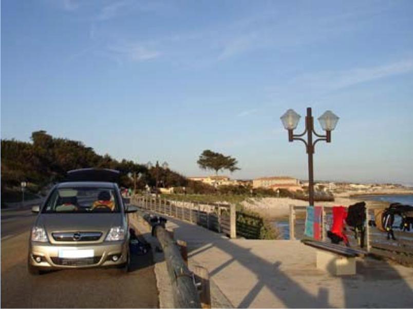 La corniche de Sausset avec le Parking et l'escalier d'accès à la plage